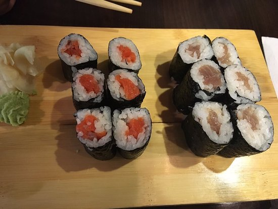 Momo Sushi Kelowna: photo0.jpg