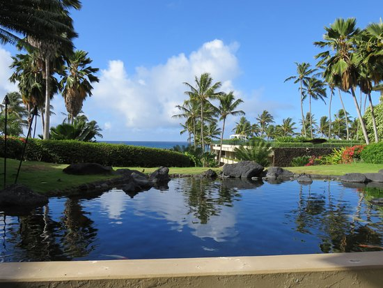 Grand Hyatt Kauai Resort & Spa: Our view while eating breakfast.