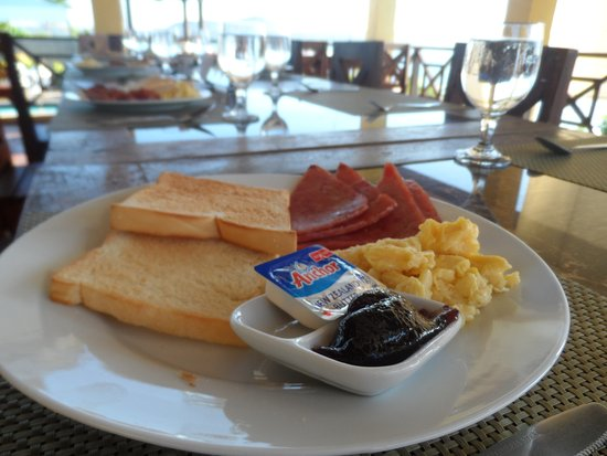 La Veranda Beach Resort & Restaurant: for breakfast