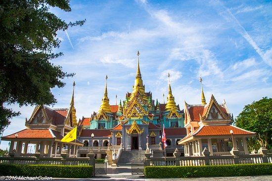 Wat Tang Sai Temple