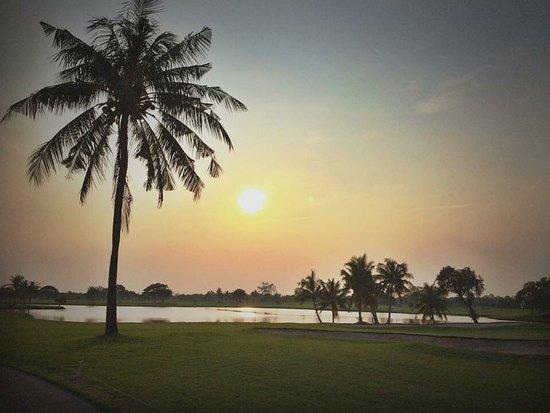 Ban Pho, Thailand: Bangpakong Riverside Country Club Golf Course