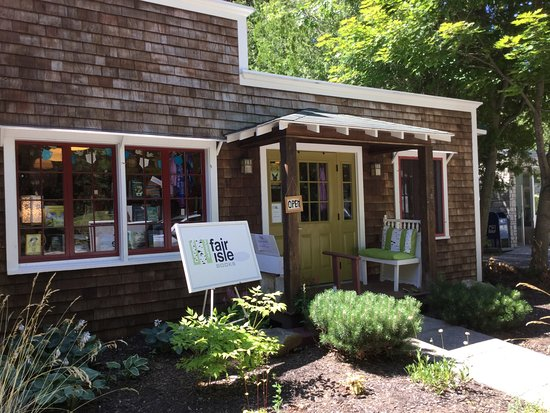 Washington Island, WI: Lovely bookstore right next to Red Cup Coffee