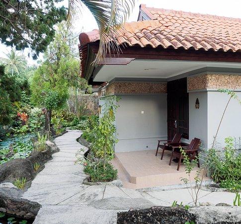 Aruna Senggigi: Superior Garden View rooms newly renovated and really nice.