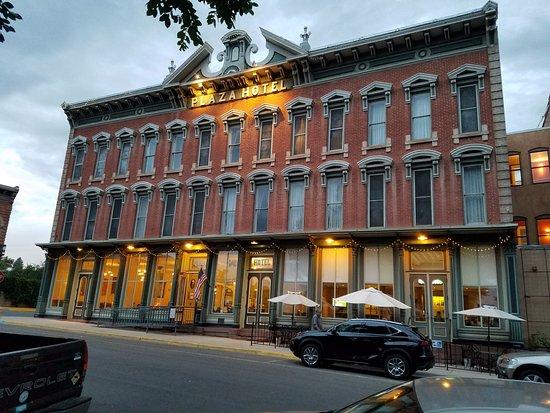 Las Vegas, نيو مكسيكو: The magnficent original hotel front
