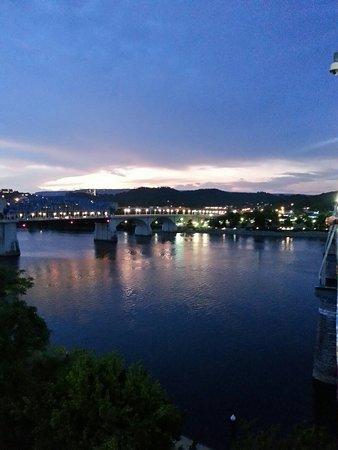 Walnut Street Bridge : 20160723_211400_LLS_large.jpg