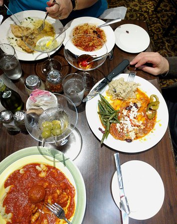 Giovanni's Restaurant : Chicken Piccata, Linguini Puttanesca, One of the daily specials, Gnocci with red sauce and meatb