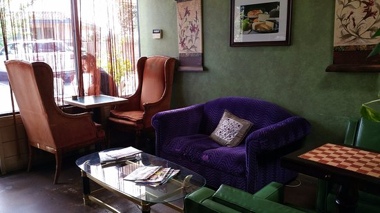 Newbury Park, CA: Comfy Seating at Conejo Coffee