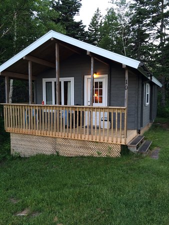 Dingwall, Kanada: One Bedroom Cabin , view from porch , view forward inside cabin entrance , and awesome beach