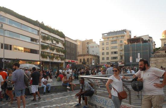 Voula, Griechenland: Ateny i wielu turystów z różnych krajów