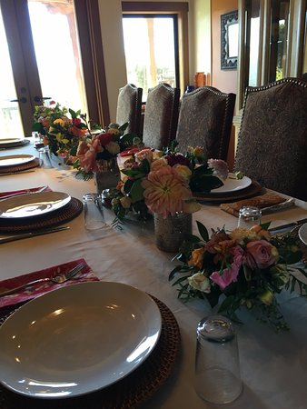 The Casitas of Arroyo Grande: fancy breakfast table