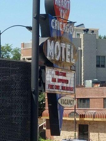 Heart O' Chicago Motel: 20160725_140419_large.jpg