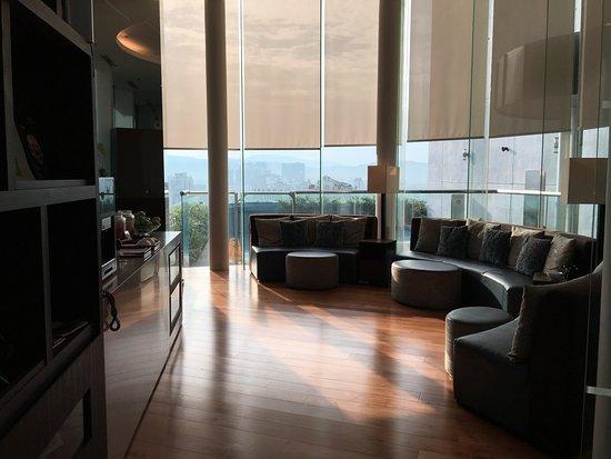 Somerset Ampang Kuala Lumpur: Lounge complete with tea/coffee and snacks