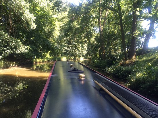 Should you be seeking to have a holiday or short break on the Lancaster Canal . Look no further