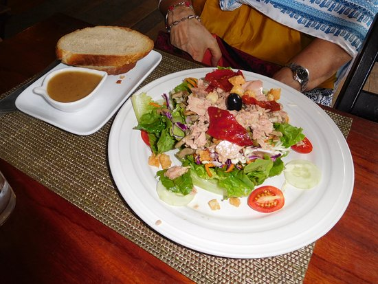 Le Banneton Cafe: Tuna salad
