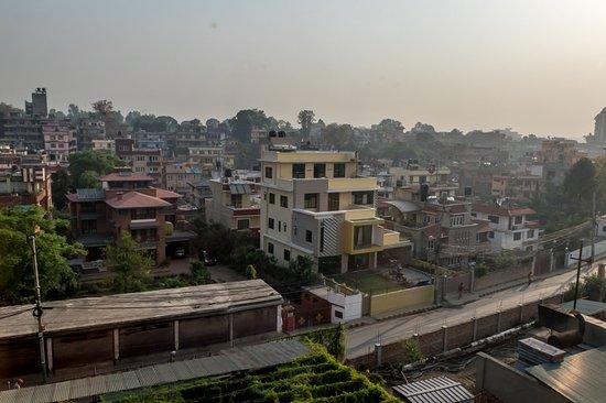 โรงแรมคราวน์ พลาซา กาฐมัณฑุ: View from the Room, facing city
