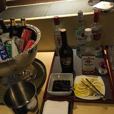 Imperial Palace Seoul: 전날 숙박을 하고 간단하게 맥주 마시러  라운지의 친절한 분을 만나 덕분에 너무 편하고 즐겁게 지내다가 일상으로 돌아왔습니다.