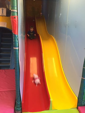 Cromford, UK: Bumpy slides