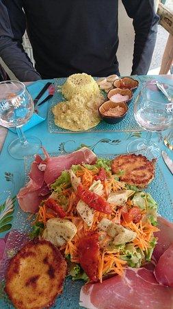 Saint-Etienne-les-Orgues, France: DSC_0215_large.jpg
