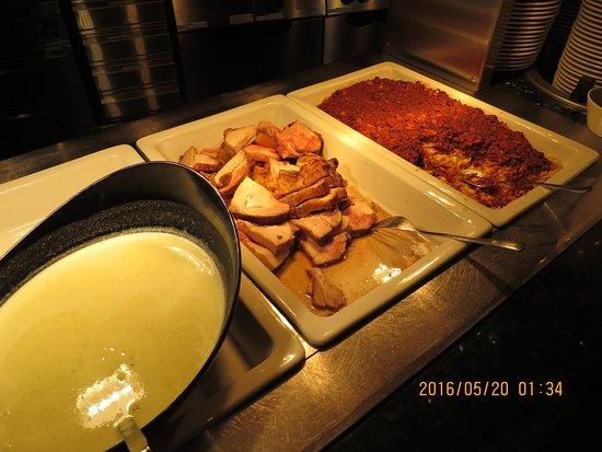 Geilo, Norveç: Meat & sides & gravy