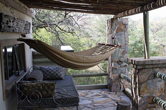 Hwange, ซิมบับเว: Upstairs hammock