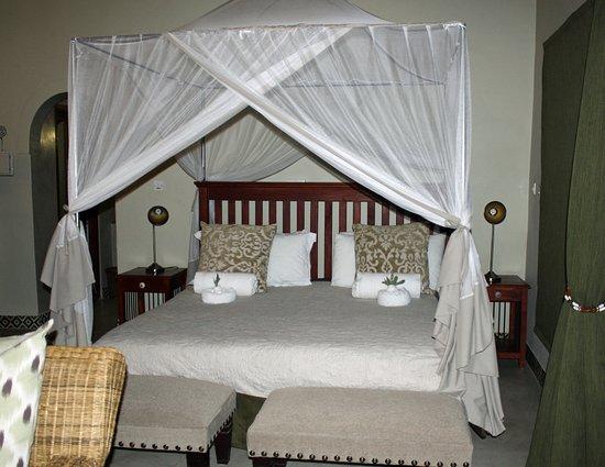 Hwange, ซิมบับเว: Amazing bed!