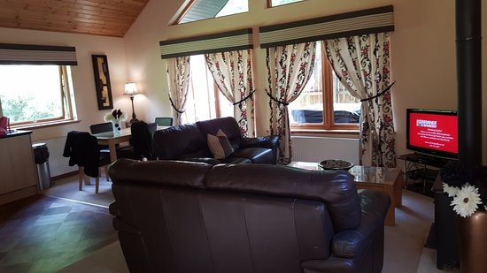 Piperdam Golf & Leisure Resort: Lodge living room, open plan