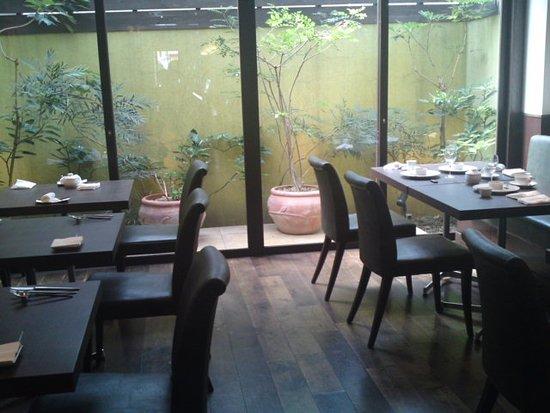 Sakai, Japan: 店内の様子
