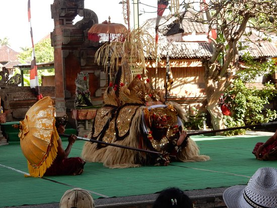 Sukawati, Indonesia: Characters in show