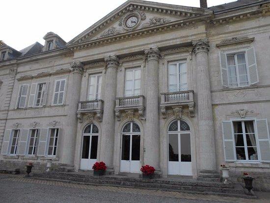 Saulty, Frankrijk: Ingang