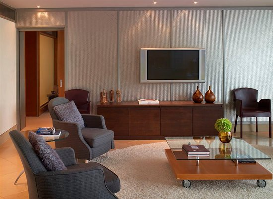 The Westin Athens Astir Palace Beach Resort: The Westin Athens Imperial Suite Living Room