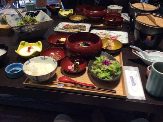 Nakanojo-machi, Jepang: 朝食