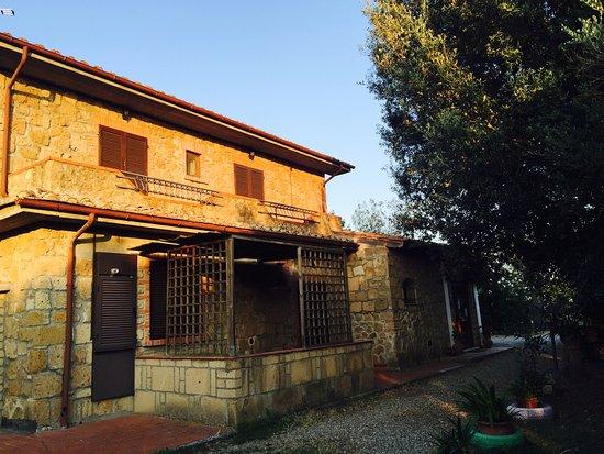Country House Maremma Nel Tufo: un particolare della struttura