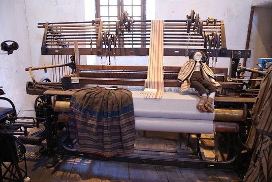 Musée des Tisserands et de la Pantoufle charentaise