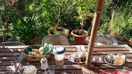 Vialas, Francia: Petit dejeuner.