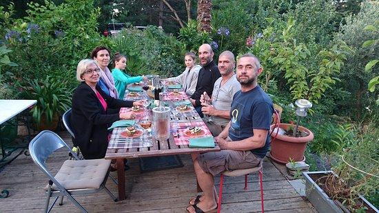 Vialas, Francia: repas du soir en terrasse