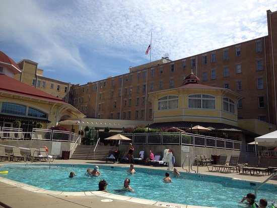 French Lick Springs Hotel: Beautiful hotel and grounds