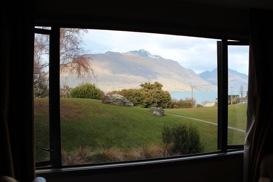 Copthorne Hotel and Resort Queenstown Lakefront: View from lakeview room