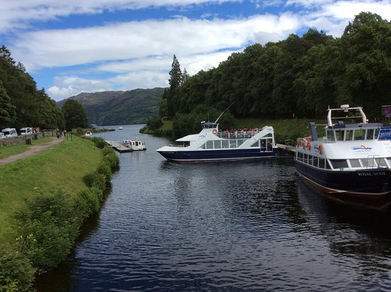 Heart of Scotland Tours: Stop off in Loche Ness