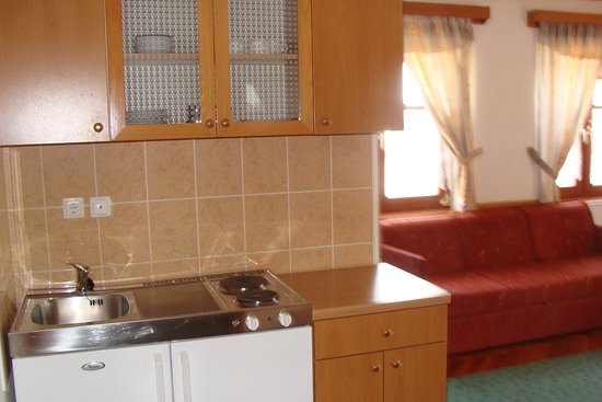 Varazdin, Kroasia: Kuhinja u sobi