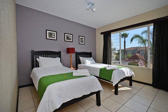Jozi Apartments Royal View