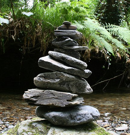 Lydford, UK: As the stream was very zen like I created my own little rock stack