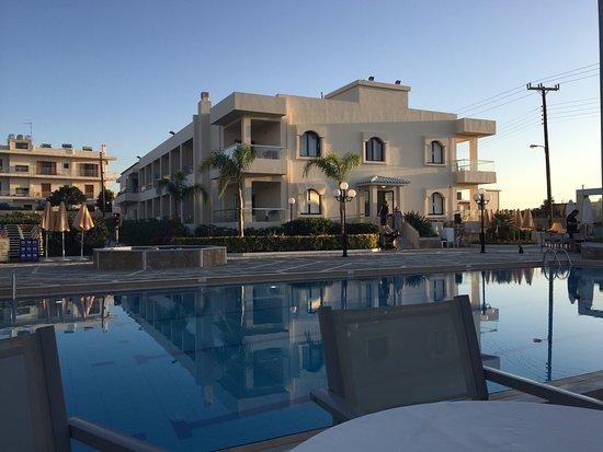 Hotel Kedrissos