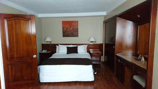 Hotel Reina Isabel : DSC_1082_large.jpg