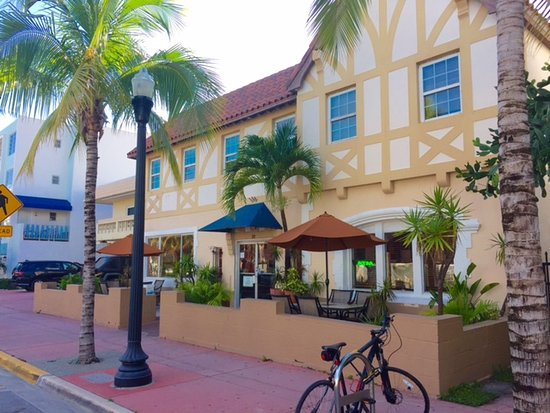 Jazz on South Beach Hostel: Jazz South Beach entrance