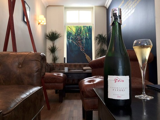 Etterbeek, Bélgica: Cozy place for a glass of champagne