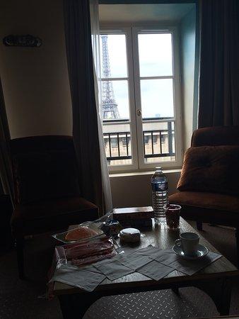 Hotel Eiffel Trocadero : Отмечали медовый месяц во Франции и первый отель нашего путешествия был именно этот. И мы не про
