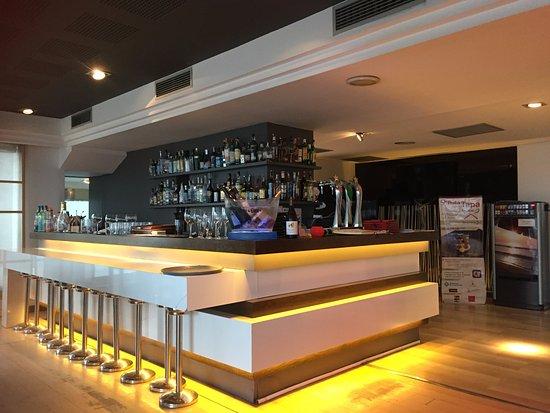 بيل آير هوتل: Hotel restaurant