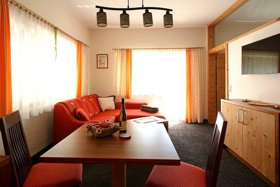 Leutasch, Østerrike: Ess bzw. Wohnbereich - Appartement Handl