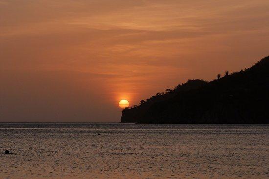 Hostel Villa Mary: Por do sol na praia