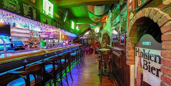 Valbonne, France : Le Bar
